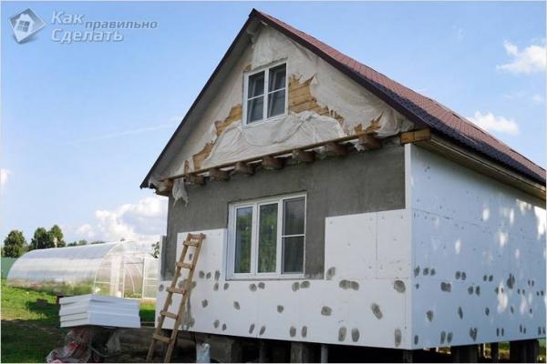 Отделка фасада дома пенопластом — выполнение отделки